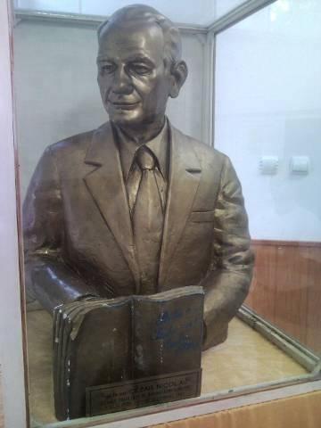 Statue réalisée par Mihail de Cezar Nicolau.